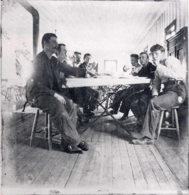 Oregon Volunteers, Battery A, Vancouver Barracks, c. 1898
